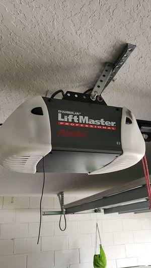 Garage Door Opener Liftmaster for Sale in Orlando, FL
