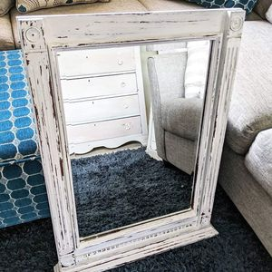 Chippy White Mirror for Sale in Saugus, MA