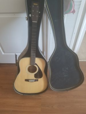 Yamaha acoustic guitar for Sale in Gaithersburg, MD