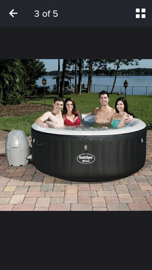 Brand New best way spa 71 by/26 inch inflatable hot tub Brand new works amazing !!stock limited for Sale in Clinton Corners, NY