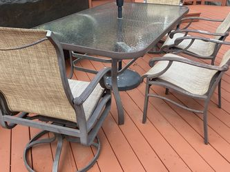 Outdoor Dining Set With 6 Chairs for Sale in Laguna Woods,  CA