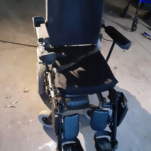 Torque 3 Power Wheel Chair With Car Lift for Sale in Wichita, KS