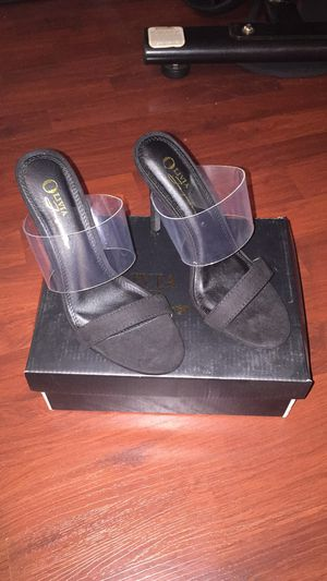 Black Suede heel size 6.5 for Sale in Norwalk, CA