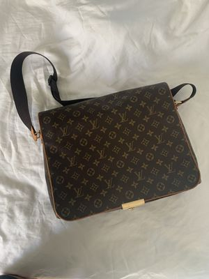 Louis Vuitton monogram messenger bag for Sale in Glendale, CA