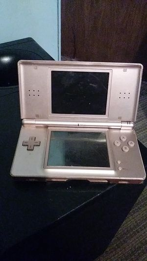 Nintendo DS (pink) for Sale in Albuquerque, NM