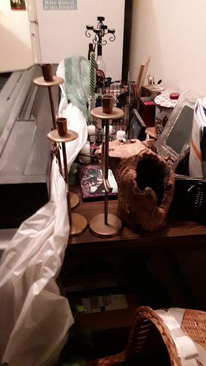 HARDWOOD DIININGROOM TABLE for Sale in Salt Lake City, UT