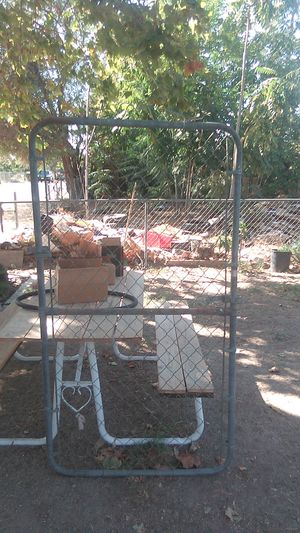 3x6 ft. Chain link gate for Sale in San Bernardino, CA