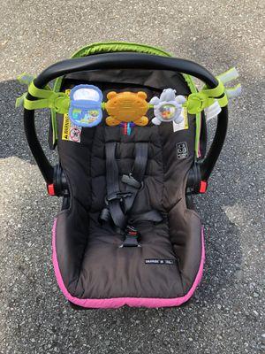 Graco Car Seat - Snug Ride 30 Click Connect for Sale in Mill Creek, WA