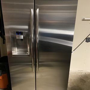 Samsung Refrigerator for Sale in Lodi, CA