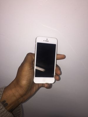 iPhone 5 unlocked for Sale in Baltimore, MD