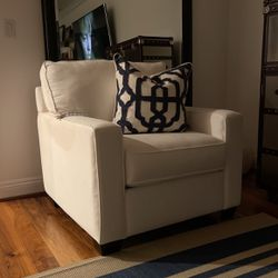 Beautiful pottery barn chair for Sale in Hermosa Beach,  CA