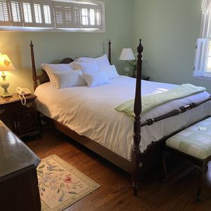 Gorgeous Ethan Allen Bedroom Set 4 Poster Bed, Long Dresser, Tall Dresser, 2 Nightstands , Mattress And Box spring All In Excellent Condition for Sale in Greenwich, CT