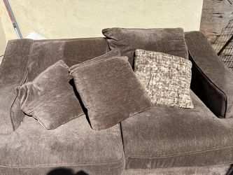Brown Couch for Sale in Los Angeles,  CA