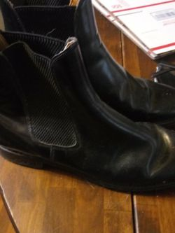 Mustang Boots Like New Sell For 250 + for Sale in Shelbyville,  TN