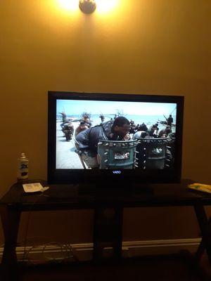 32 inch flatscreen tv for Sale in Los Angeles, CA