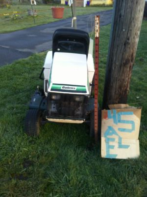 Riding lawn mower for Sale in Brownsville, OR