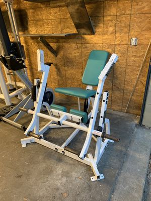 Hammer strength leg extension for Sale in Virginia Beach, VA