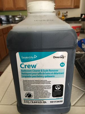 Bathroom cleaner & scale remover for Sale in Menifee, CA