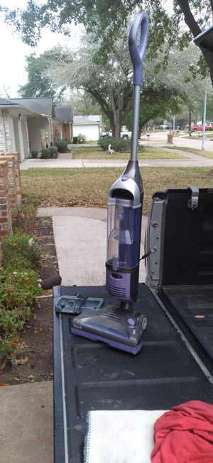 Wireless vacuum cleaner Shark in very good condition for Sale in Houston, TX
