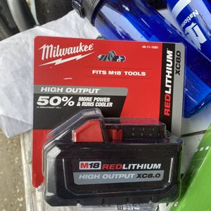 Milwaukee M18 8.0 Ah battery for Sale in Sorrento, FL