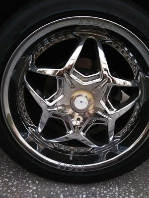 """Rims and tires 20"""" Universal 5 lug for Sale in Tampa, FL"""