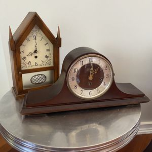 2 MANTLE CLOCKS WELBY for Sale in Pompano Beach, FL