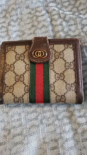 Gucci men's wallet used for Sale in SeaTac, WA
