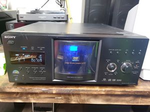 Sony disc explorer DVD SACD 400 disc player dvp-cx985v for Sale in Puyallup, WA