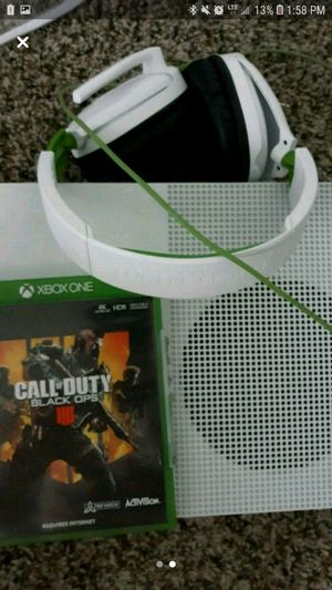 Xbox 1tb with turtle beach headset, Blackops 4, Gta5 call of duty infinite warfare, for Sale in MIDDLEBRG HTS, OH
