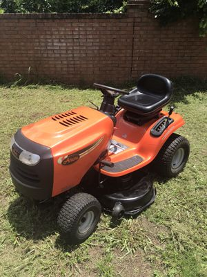 ARIENS BY HUSQVARNA HYDROSTATIC TRACTOR 42 INCH RIDING LAWN MOWER for Sale in Clermont, FL