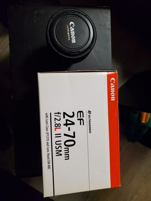 Canon EF 24-70mm f/2.8L II USM Standard Zoom Lens for Sale in New Haven, CT
