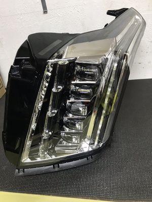 2014-18 Cadillac left head light for Sale in Dallas, TX