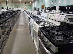 Gas stove-appliances for sale at willies- Hauppauge NY for Sale in Queens, NY