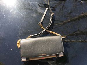 Burberry bag for Sale in Princeton, NJ