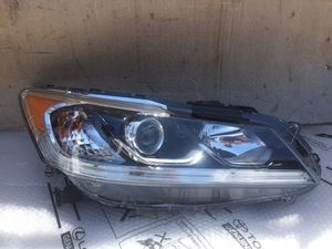 2016 - 2017 Honda Accord Regular Right Passenger Side Headlight OEM for Sale in Los Angeles, CA