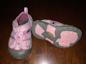 Toddler keen shoes size 6 for Sale in Colorado Springs, CO