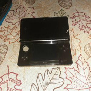 Nintendo 3ds With 13 Games for Sale in Miami, FL