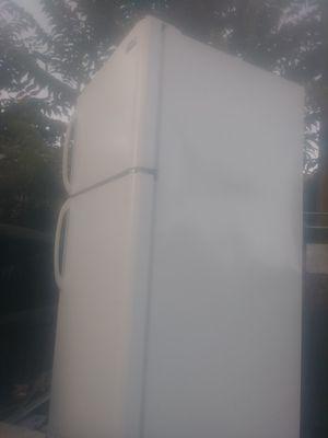 Kenmore refrigerator for Sale in Modesto, CA