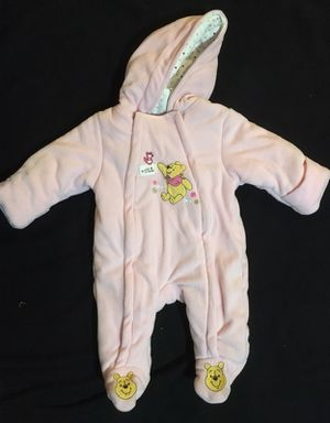 New 0-3 month girl bunting snowsuit for Sale in Salem, SD
