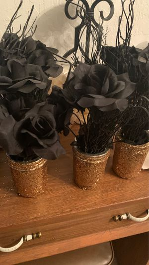 Gold and black center piece for Sale in San Jose, CA
