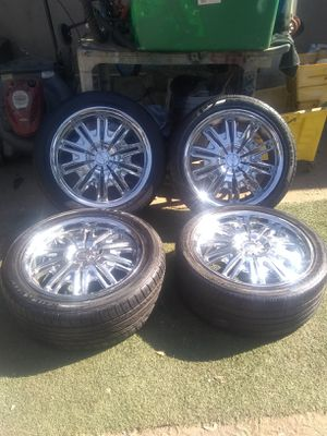 F5 universal rims size r18 for Sale in Los Angeles, CA