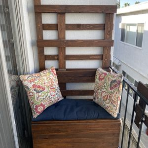 Reclaimed Pallet Bench and Planter for Sale in Santa Monica, CA