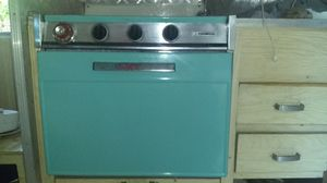 Magic chef 24 in rv and mobile home gas stove 3 burner/ oven combo for Sale in Oroville, CA