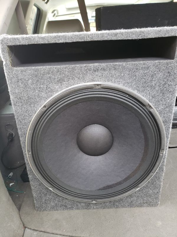 "subeofer jbl 15"" 650watts"