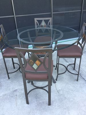 Dinette set with 4 chairs for Sale in North Port, FL