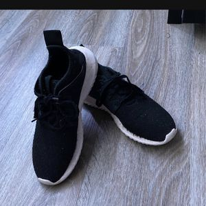 Black Women's Adidas Size 6 Shoes for Sale in Tualatin, OR