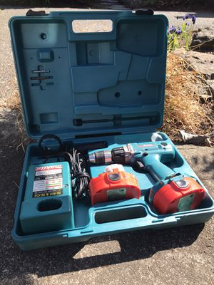 Makita 1822 18V 2.0Ah for Sale in Federal Way, WA