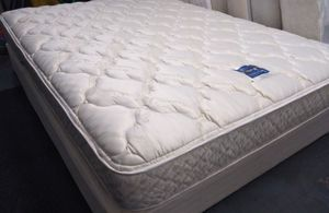 """Queen mattress Serta Perfect Sleepers 11"""" reversible and box spring. Delivery Included at price. for Sale in Orlando, FL"""