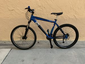 BICYCLE DIAMONDBACK 24 SPEED EXCELLENT CONDITION for Sale in Miami, FL