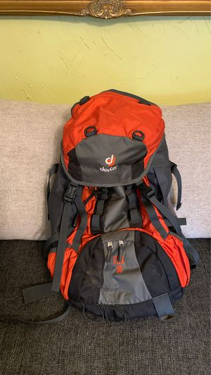 Deuter youth backpack for Sale in Dundee, OR